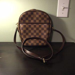 Louis Vuitton cross shoulder bag